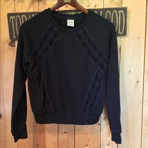 A&F Sweatshirt with a block lace design